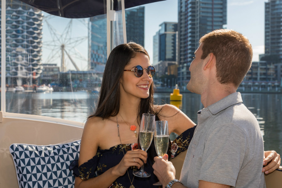 onboard dining options, yarra river diner cruises